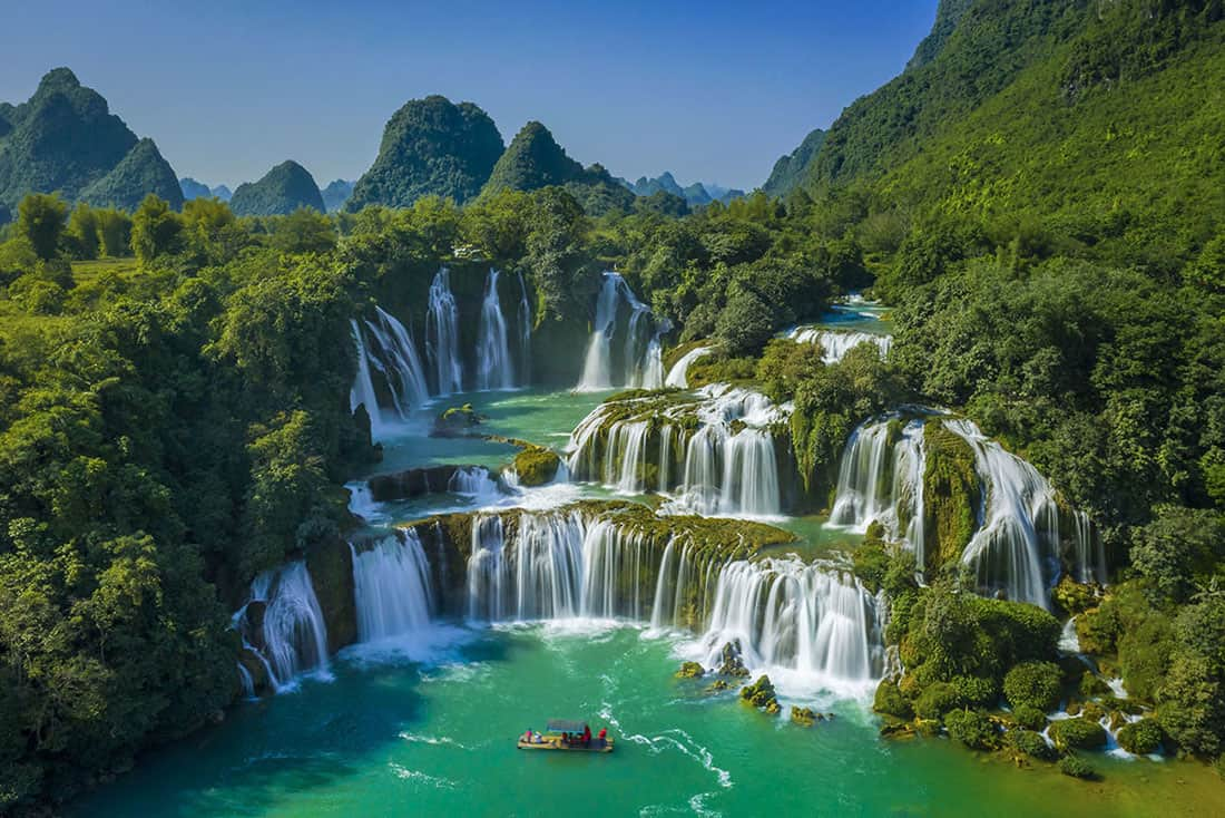 The beauty of Ban Gioc waterfall. Photo ST