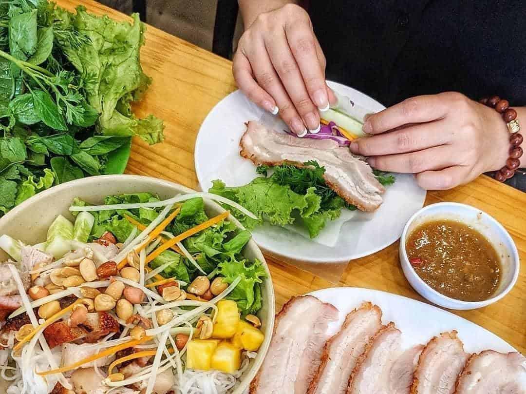 Bánh tráng cuốn thịt heo Đà Nẵng. Hình: Zing