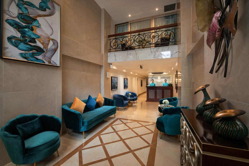 Khách sạn với thiết kế trang nhã, màu xanh ngọc là gam màu chủ đạo
