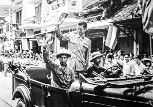 Bác sĩ Trần Duy Hưng - Chủ tịch uỷ ban hành chính đầu tiên của Hà Nội