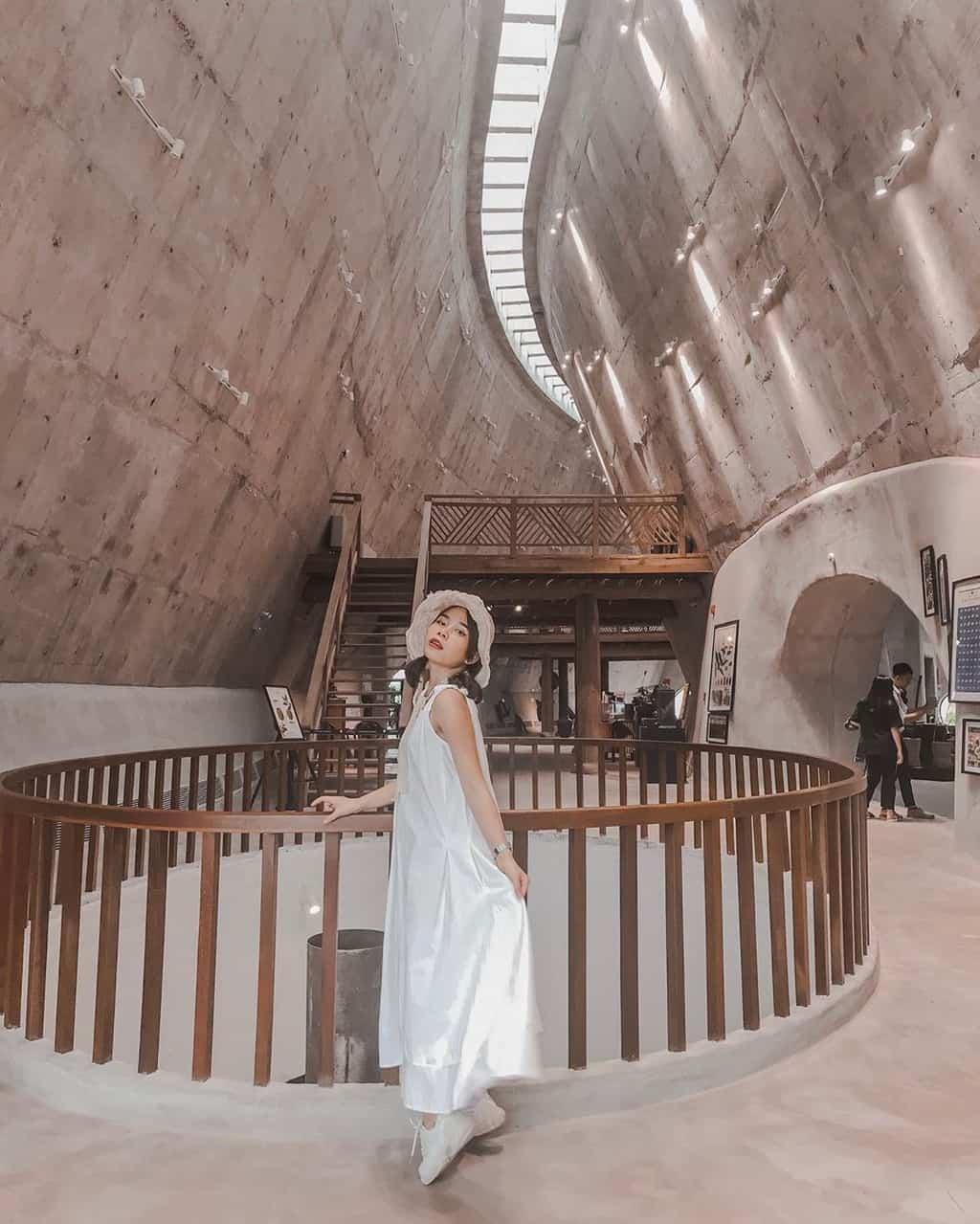 Kiến trúc vô cùng ấn tượng. Hình: Ptukkata88