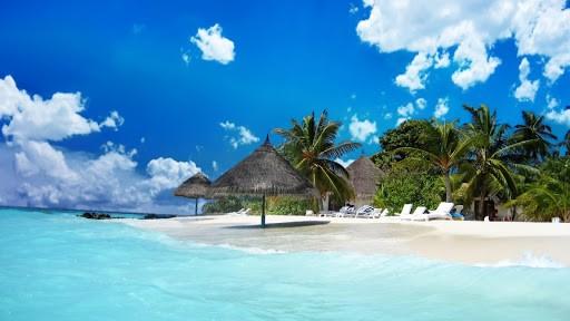 Biển Mỹ Khê là một trong những bờ biển với cảnh sắc quyến rũ nhất hành tinh