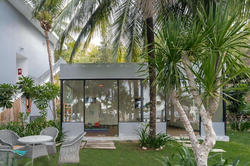 Không gian tràn ngập cây xanh. Hình: Casa Marina Resort