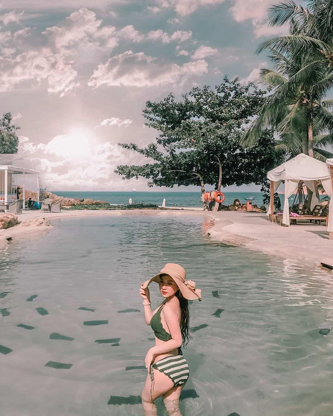 Bể bơi Casa Marina Resort. Hình: tammeomeo