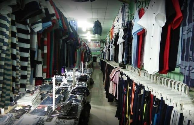 Các mặt hàng thời trang tại chợ Dĩ An 2, Bình Dương cũng được bày bán nhiều, hàng chất lượng tốt nên được nhiều người lựa chọn