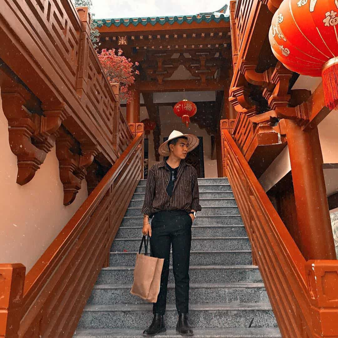 Vẻ đẹp bắt mắt của chùa Lầu với tông màu đỏ chủ đạo. Hình: @p.t.o.a.n