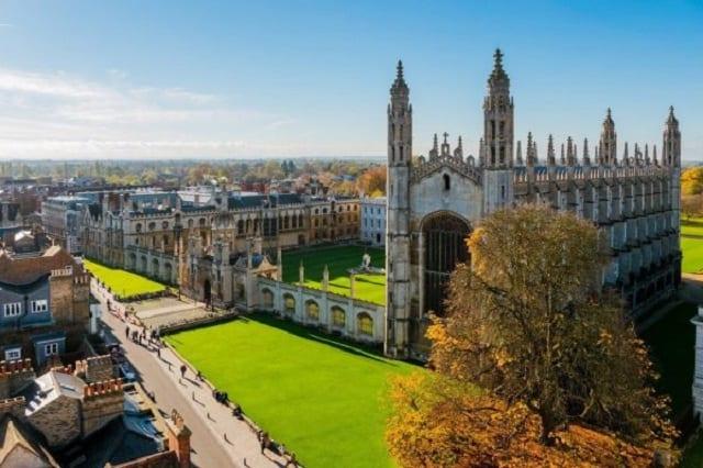 Trường đại học Cambridge nổi tiếng là cái nôi đào tạo thiên tài