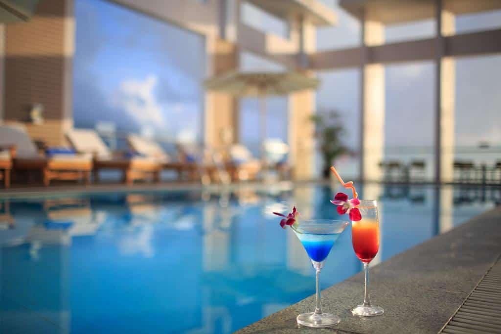 Thưởng thức ly cocktail độc đáo như đem cả mùa hè vào trong từng dư vị.