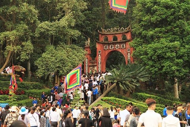 Khu di tích Đền Hùng - Điểm du lịch tâm linh gần Hà Nội