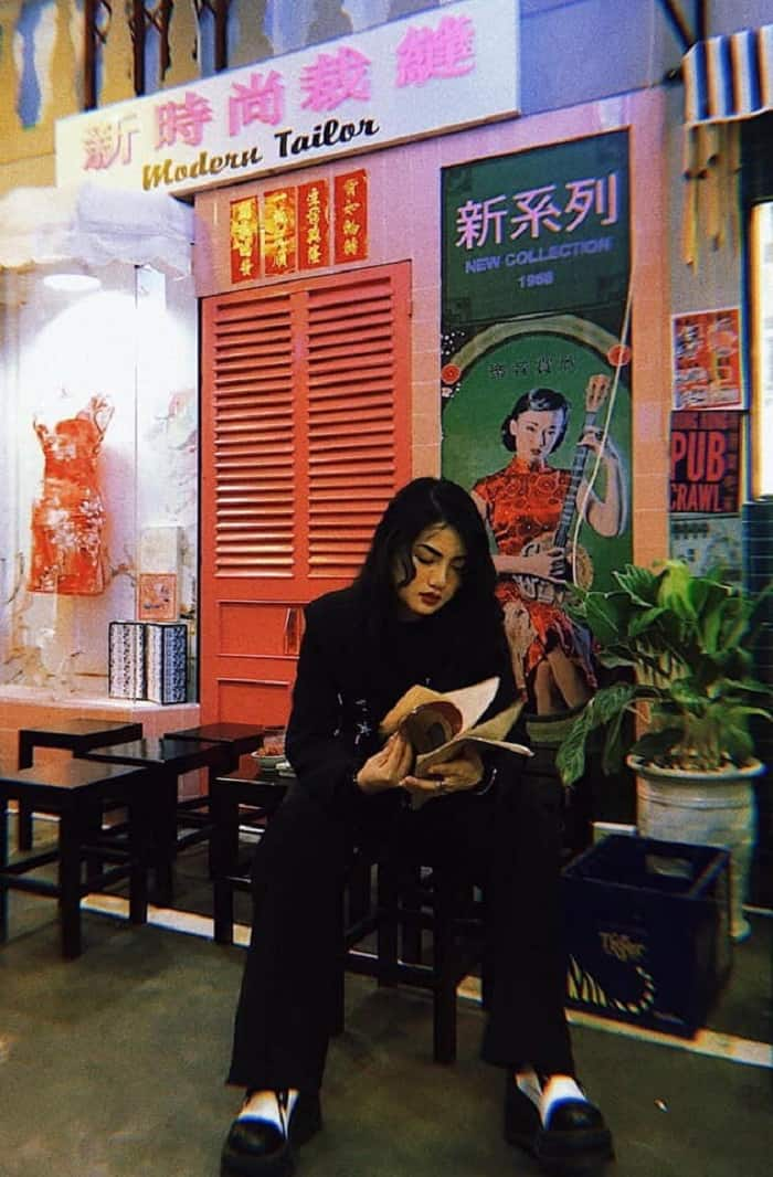 """Bức ảnh """"cool ngầu"""" này, không gian đẹp cực kỳ này là ở đâu? Ở lost in HongKong chứ đâu!"""