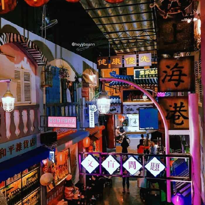 Hẻm bia lost in HongKong với không gian y hệt con phố nổi tiếng ở HongKong