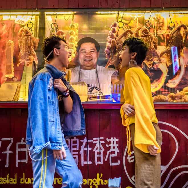 Hình ảnh các hàng quán HongKong khá quen thuộc trên các bộ phim truyền hình cũng xuất hiện tại hẻm bia