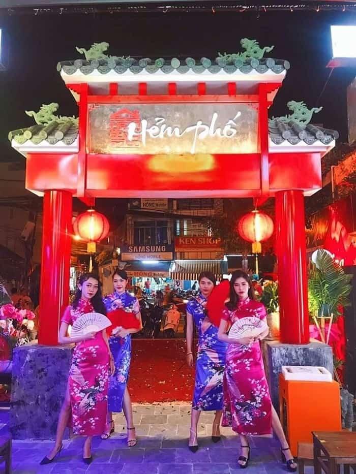 Hẻm phố HongKong Nha Trang điểm đến đậm chất xứ Hương Cảng