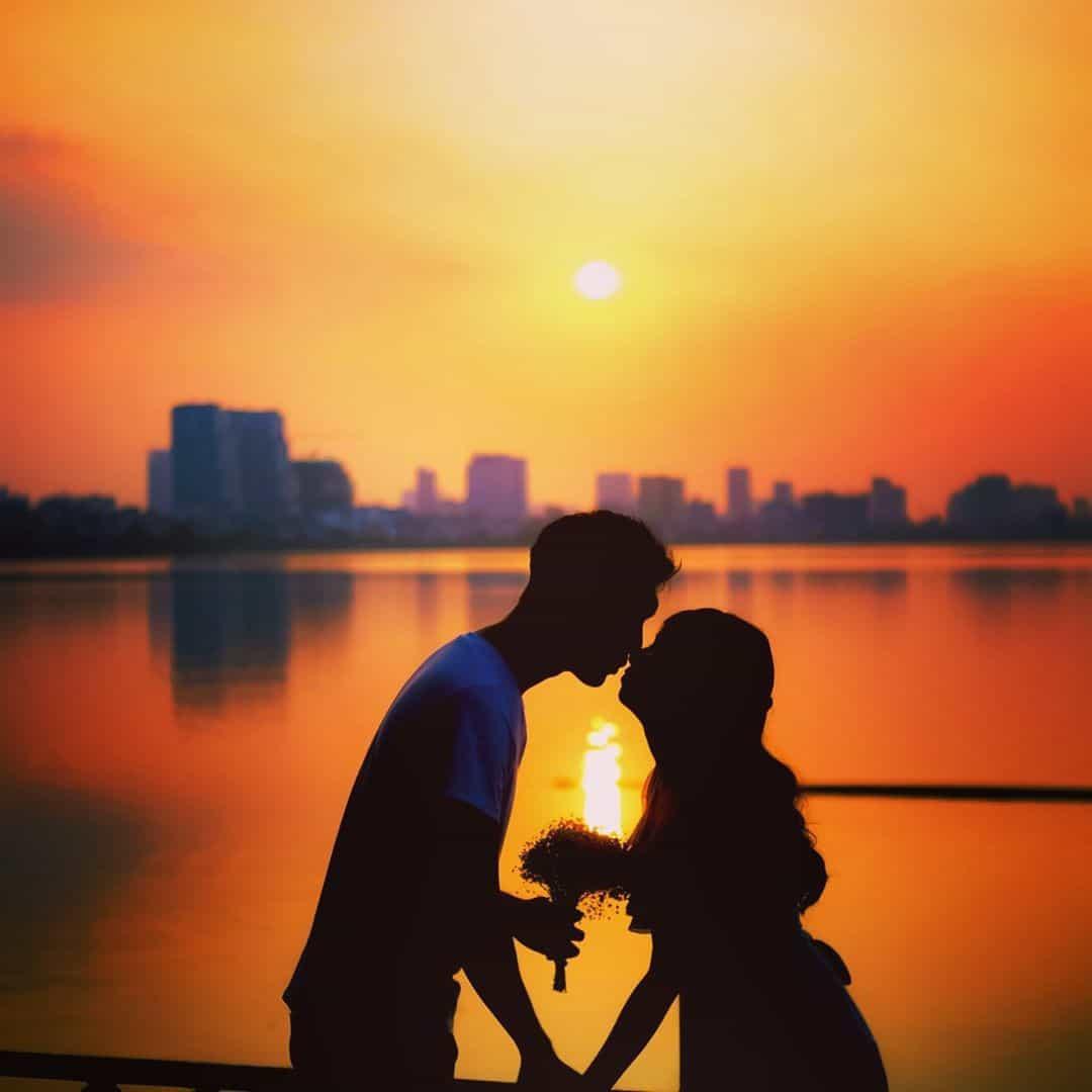 Khung cảnh hoàng hôn lãng mạn. Hình: @dattaynhaukhapthegian