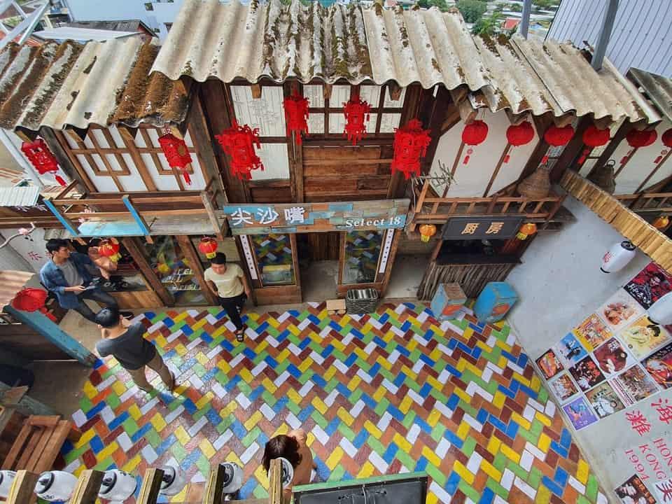 Ngắm nhìn màu sắc HongKong nhẹ nhàng nơi Xóm Nhỏ coffee - Homestay