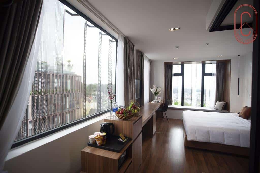 Hạng phòng Premier Deluxe khách sạn Hôtel Colline Đà Lạt. Hình: hotelcolline