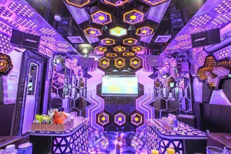 Một phòng karaoke đầy hoành tráng tại F5 Plus - Trần Duy Hưng