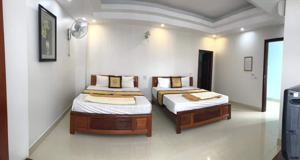 Phòng nghỉ tại khách sạn Thắng Lợi rộng rãi và đầy đủ tiện nghi