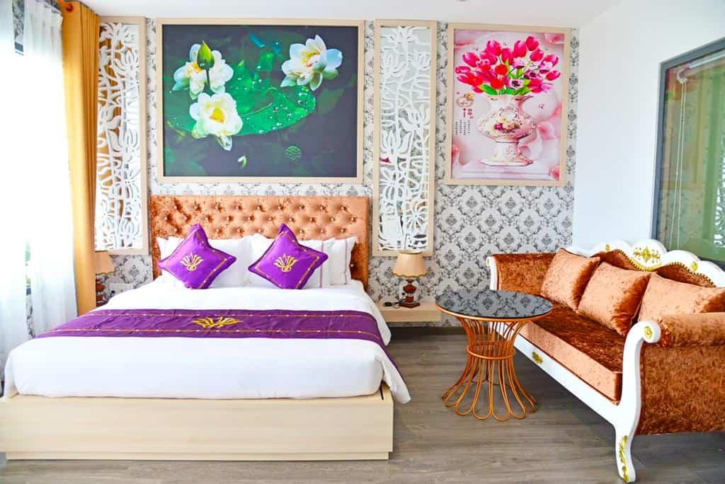 Phòng nghỉ với cách trang trí sang trọng đem lại cảm giác thoải mái cho khách hàng