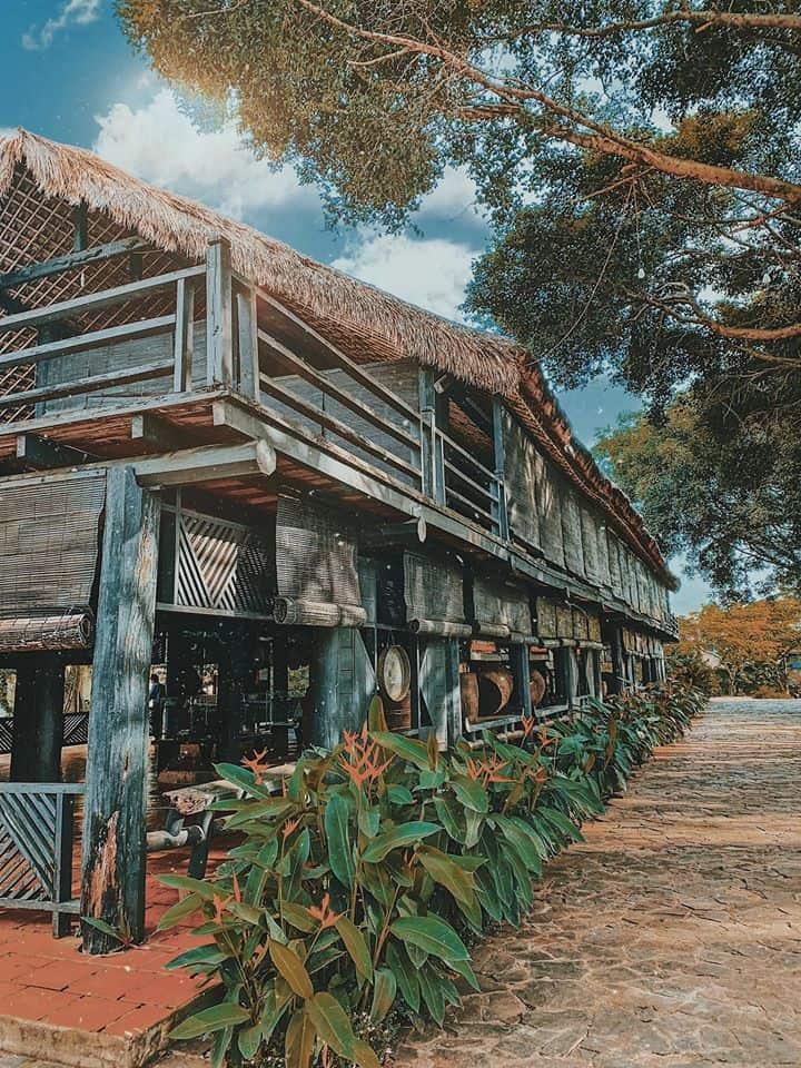 Nhà trưng bày được dựng theo kiểu nhà dài của người Ê-Đê. Hình: Cường Quốc Phạm