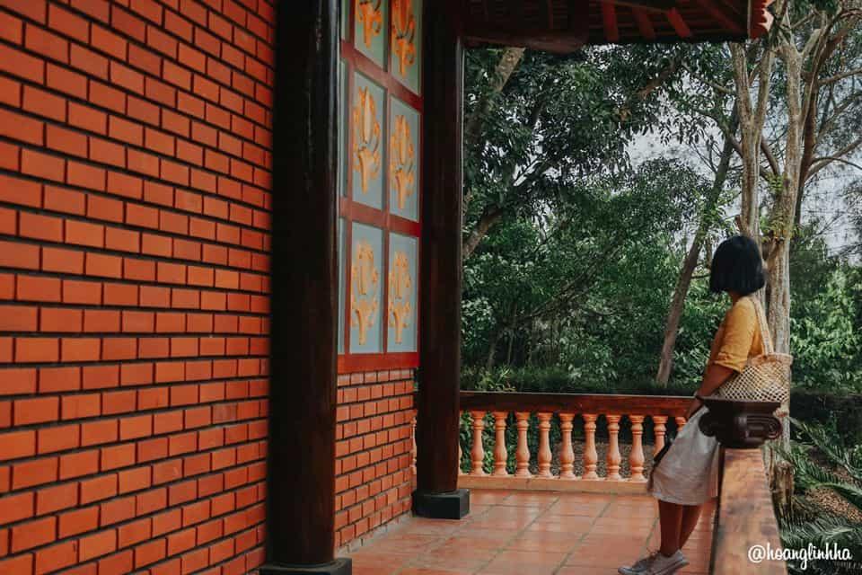 Mặt sau của nhà thờ Bác Hồ. Hình: Hoàng Linh Hà