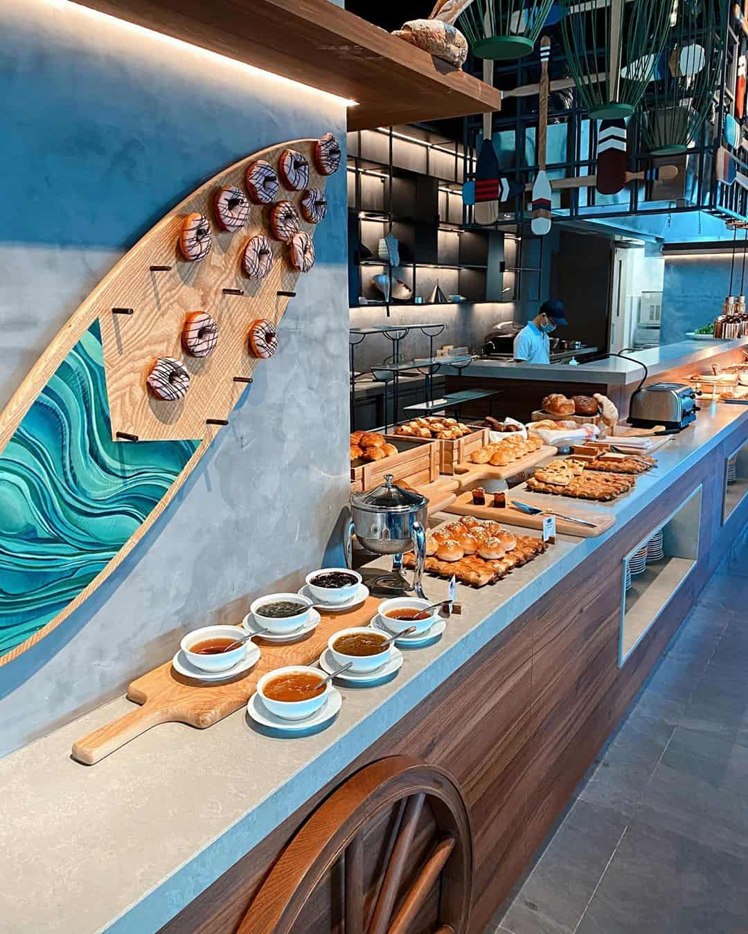 Nhà hàng phục vụ cả a-la-carte và buffet. Hình: @nhupimm2411