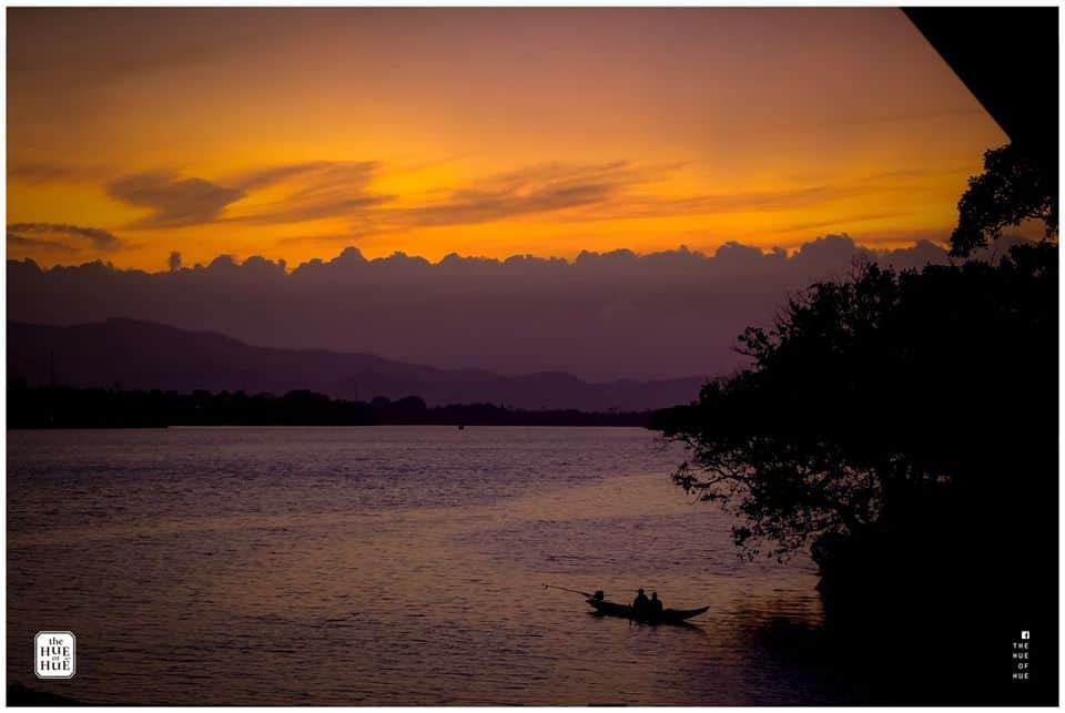 Hoàng hôn tím trên sông Hương. Hình: The Hue of Huế
