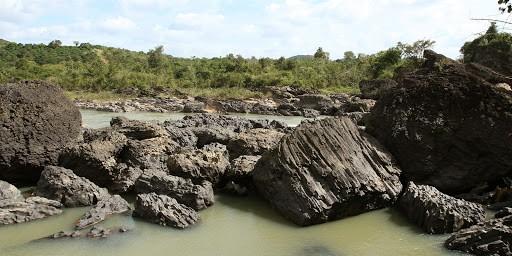 Thác Trinh Nữ với ghềnh đá tuổi địa 2 đến 5 triệu năm