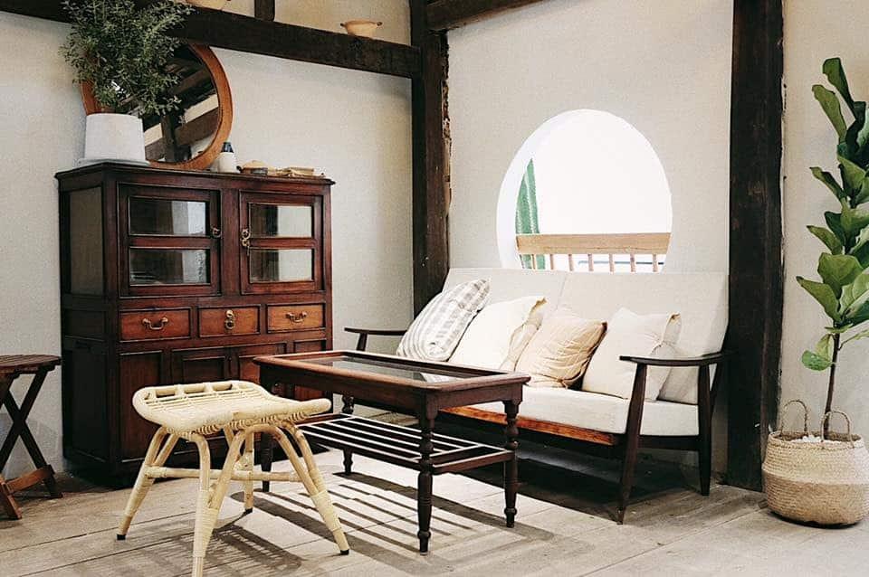 The Home Roastery vẫn sử dụng những vật liệu đơn giản. Hình: Sưu tầm
