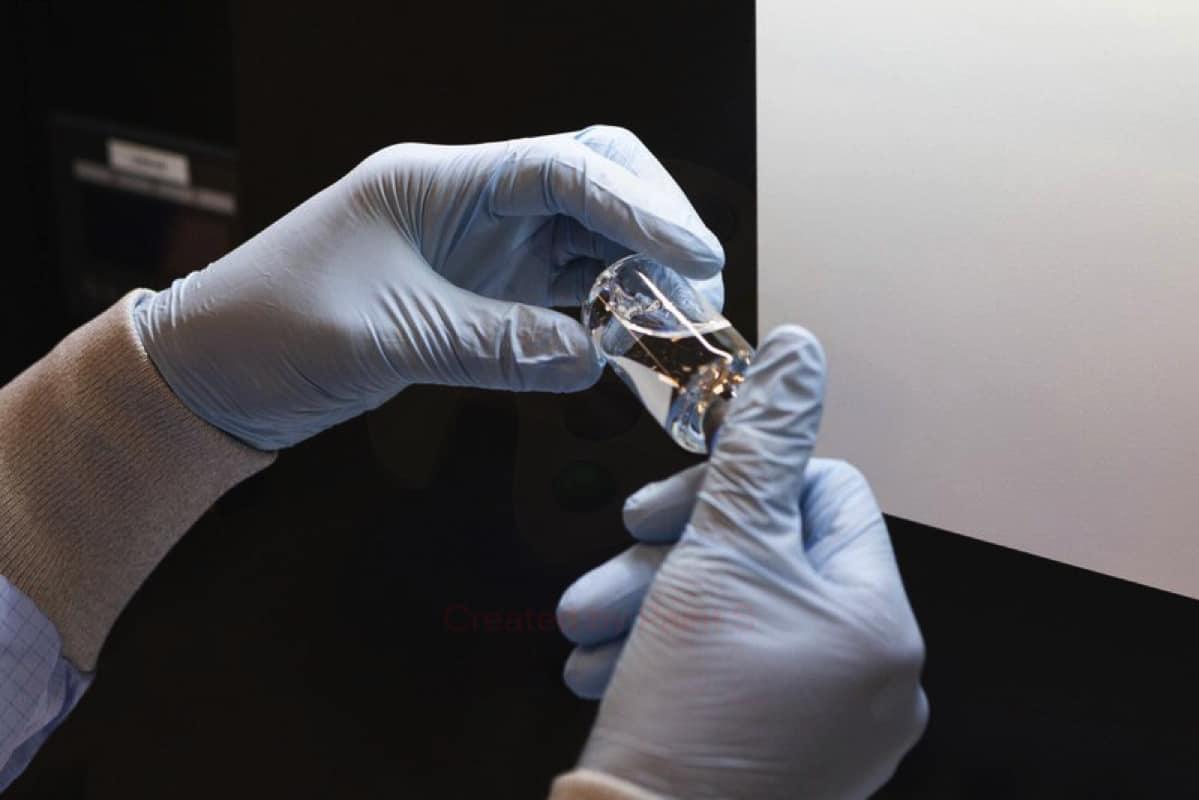 Công bố kết quả thử nghiệm thuốc kháng nCoV đầu tiên