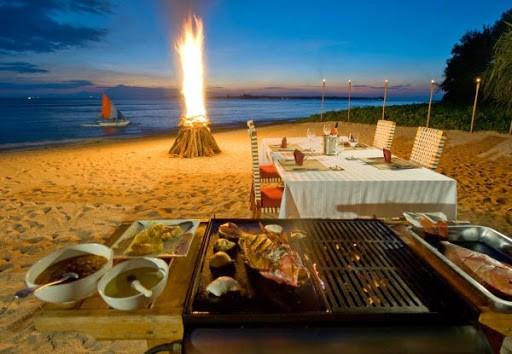 Một đêm với đầy điều thú vị trên bãi biển ở Cô Tô cùng quây quần thưởng thức tiệc nướng
