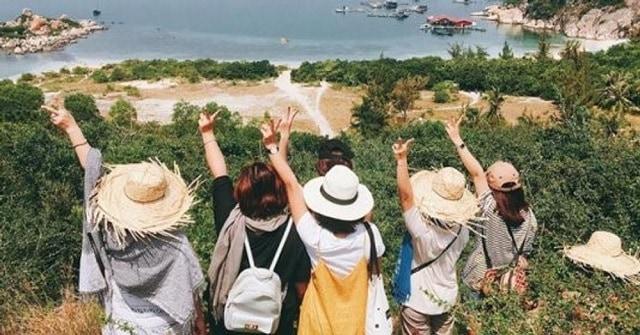 Mua combo du lịch theo nhóm cũng giúp bạn tiết kiệm chi phí