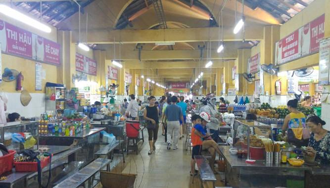 Combo ăn ngon + no điên đảo ở chợ Cồn