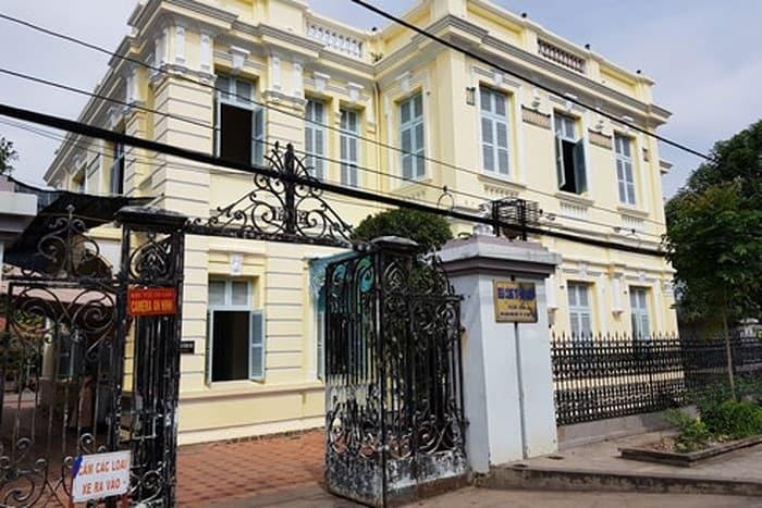 Dinh thự công tử Bạc Liêu với lối kiến trúc Tây Âu sang trọng nhìn từ bên ngoài