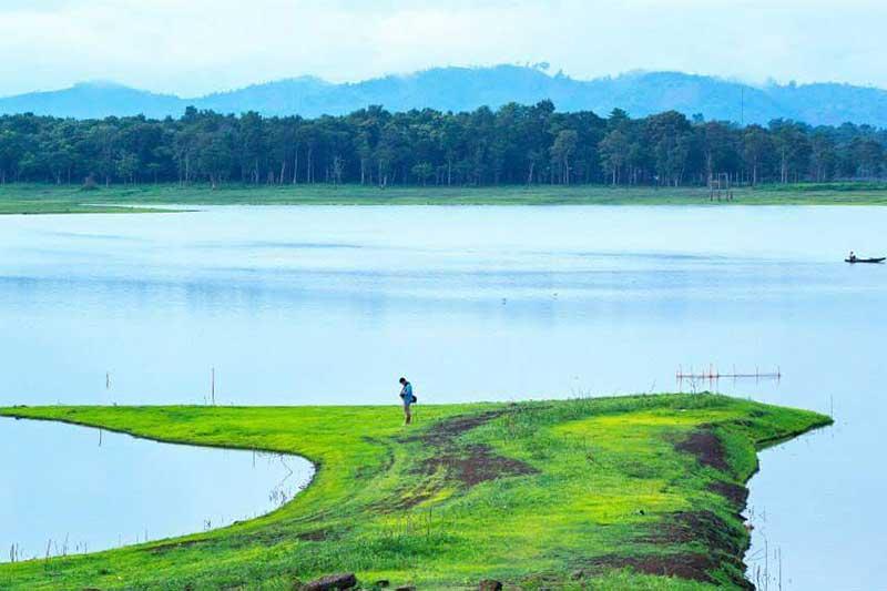 Hồ Ê Kao hoang sơ phản phất nét đẹp nên thơ thả hồn tĩnh lặng