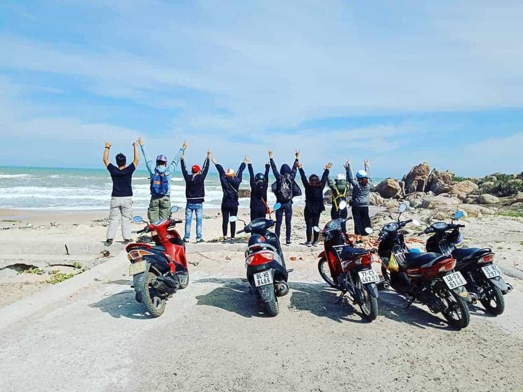 Phượt bằng xe máy là một trải nghiệm thú vị nhất định phải thử một lần