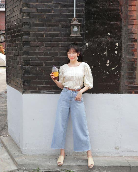 Công thức mix đồ du lịch hè từ quần ống rộng chất liệu jean