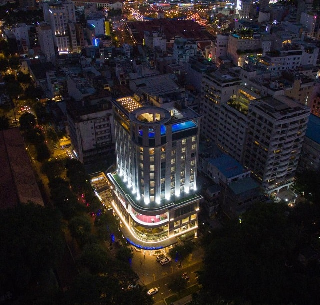 Central Palace Hotel nằm ở vị trí trung tâm, rất thuận tiện cho việc di chuyển, đi lại