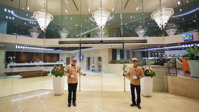 Review khách sạn 4 sao Central Palace Hotel