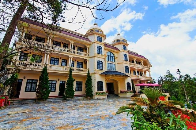 Lacasa Sapa Hotel mang kiến trúc biệt thự Pháp đặc trưng