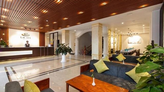 Chất lượng dịch vụ được khách sạn Nếu không muốn đi tìm các quán ăn ở bên ngoài thì bạn cũng có thể lựa chọn một trong số hai nhà hàng tại khách sạn Lacasa Sapa ưu tiên