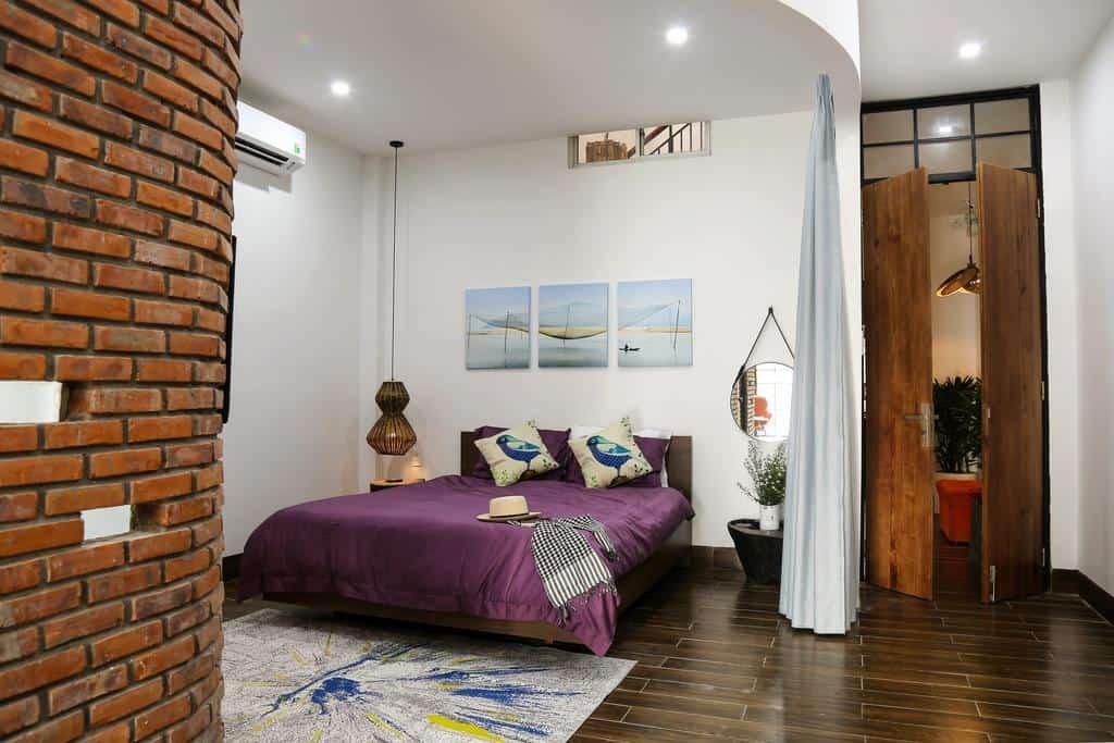 Phòng nghỉ có thiết kế hiện đại với những vật dụng được trang trí tỉ mỉ