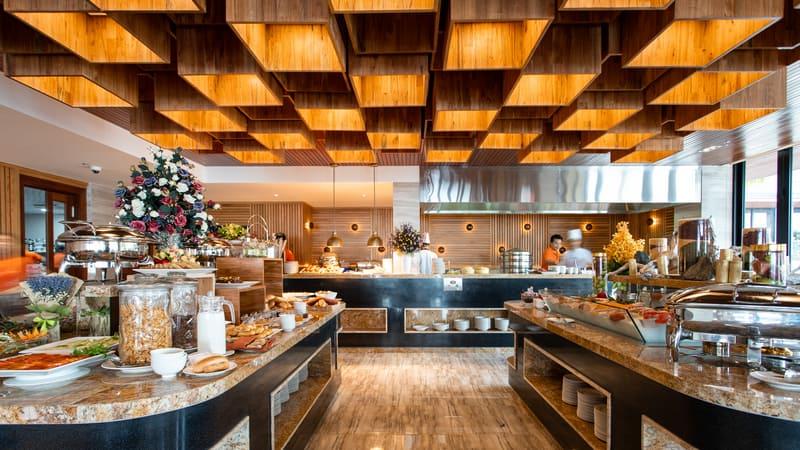 Thiết kế nhà hàng trang nhã, ấm áp, cùng đội ngũ nhân viên thân thiện với nhiều món ăn đặc sắc ghi dấu ấn trong lòng mỗi du khách