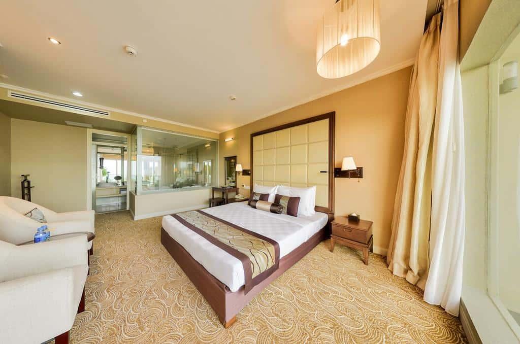 Phòng nghỉ có thiết kế sang trọng, ấm áp và tiện nghi đầy đủ
