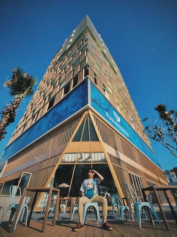 Khách sạn Fusion Suites Vũng Tàu gây ấn tượng với lối kiến trúc và màu sắc mới mẻ