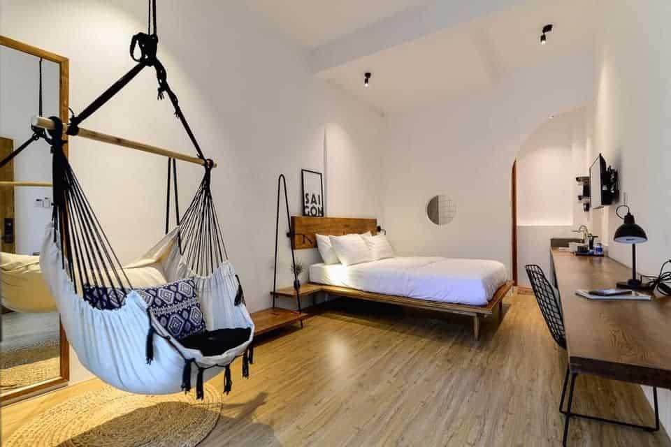 """Review The Hut Boutique Hotel-Notre Dame – không gian tinh tế """"ẩn mình"""" giữa lòng Sài Gòn"""