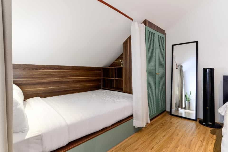 Thiết kế đơn giản, tối ưu nhất. Hình: The Hut Boutique Hotel - Notre Dame