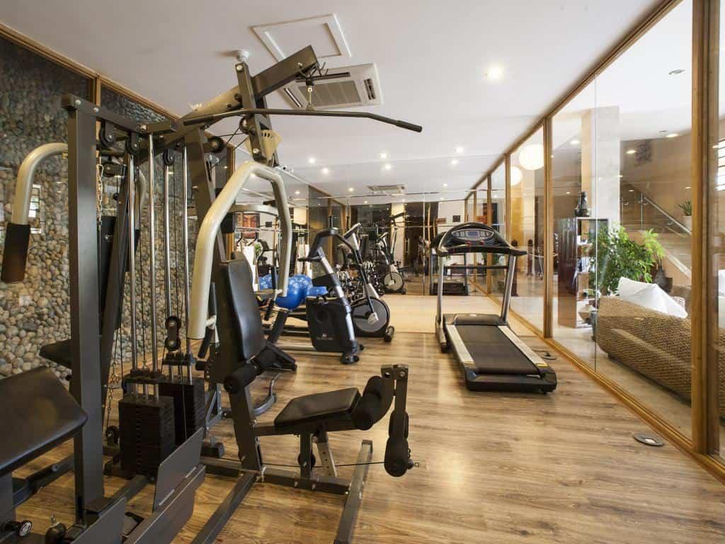 Phòng gym hiện đại. Hình: Aroma Beach Resort & Spa