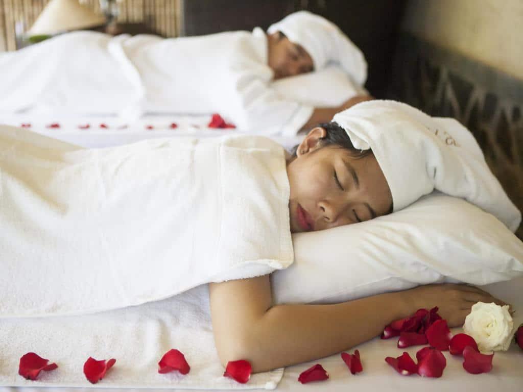 Dịch vụ spa với những liệu pháp massage, trị liệu sức khỏe. Hình: Aroma Beach Resort & Spa