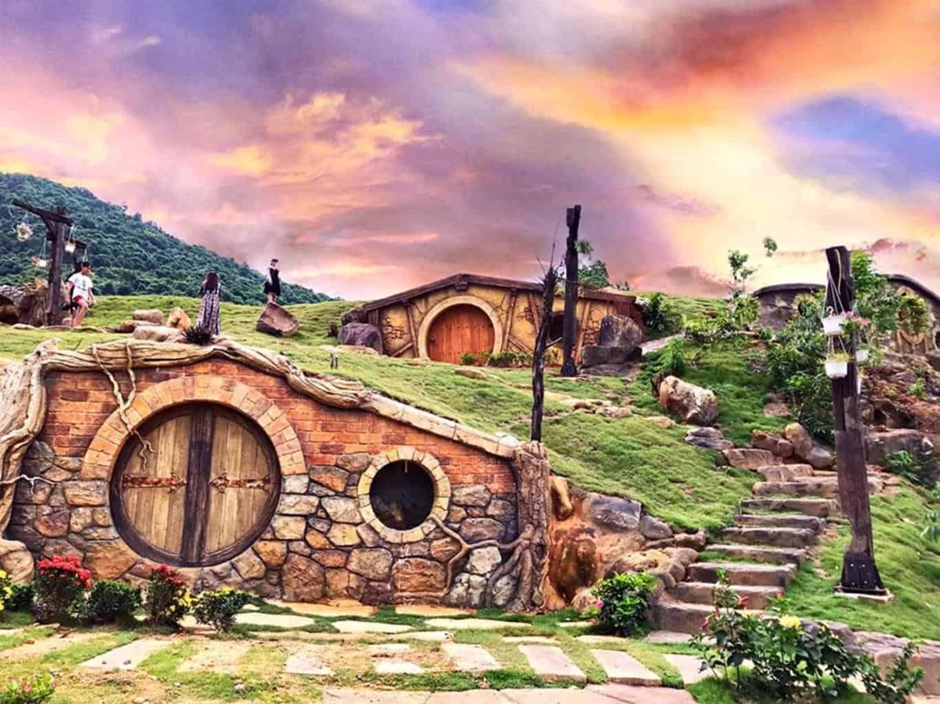"""Bạch Mã Village - """"Xứ sở thần tiên"""" cho những dịp vui chơi cuối tuần cắm trại qua đêm"""